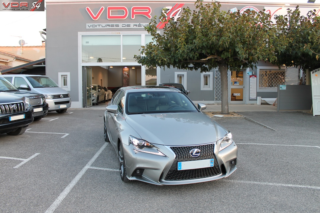 Lexus IS 300 H F Sport +